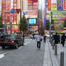 英語で「混み入った道を案内する」シンプル英会話表現【音声つき】