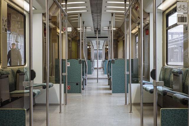train-768502_640