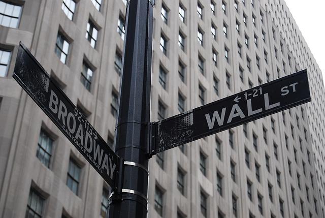 wall-street-595458_640
