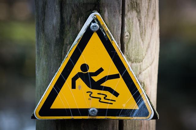 <Weblio英会話コラム>「危険」「危ない」を英語で意味する表現の種類と使い分け方