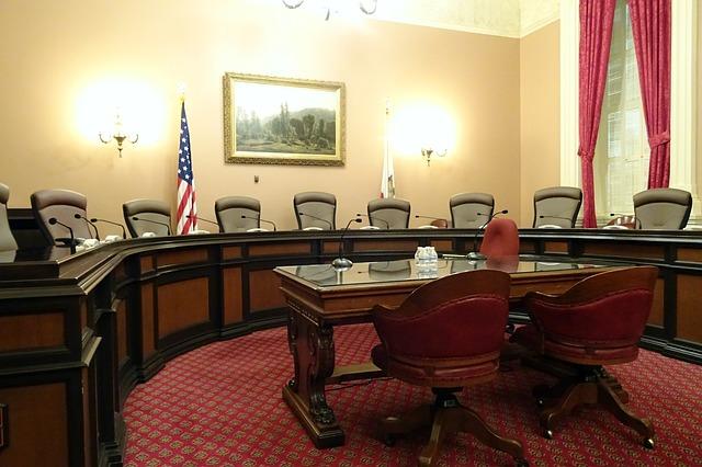 committee-room-1022791_640