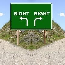 英語「different」に続く語は from、than、to、どれも正しい
