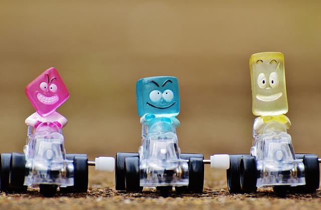 racing-cars-1237538_640
