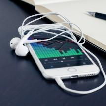 iPhone向け英会話アプリの人気ランキングを見るには