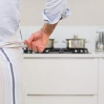 英語で表現する「キッチン用品」ザル・おたま・おろし金など
