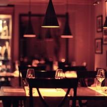 英語で海外レストランを利用する必須英語フレーズ集(予約・入店・注文・退店まで)