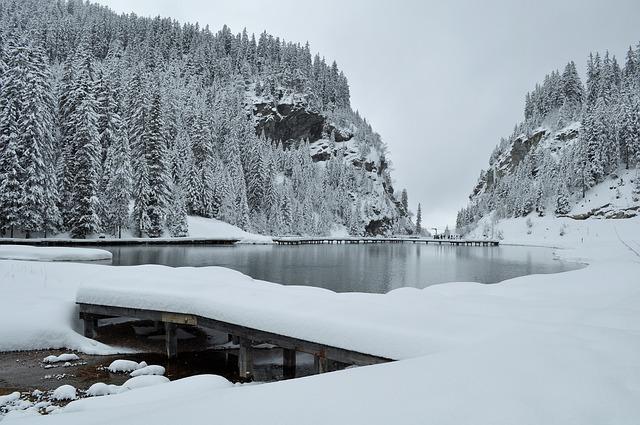 snow-1178290_640