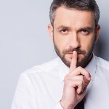 「秘密」を英語で表現する言い方の種類と使い分け方