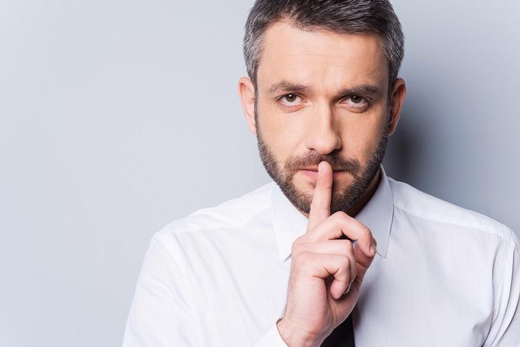 英語で「秘密」を意味する表現の種類と使い分け方