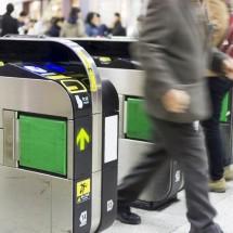 Suica、ICOCA、PASMOなどの「交通系ICカード」は英語でどう言う?