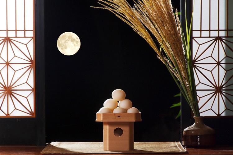 「十五夜」「お月見」は英語でどう言う?