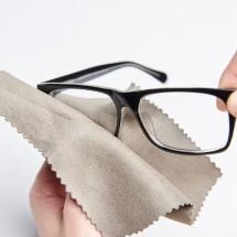 「眼鏡拭き」は英語でどう言う?